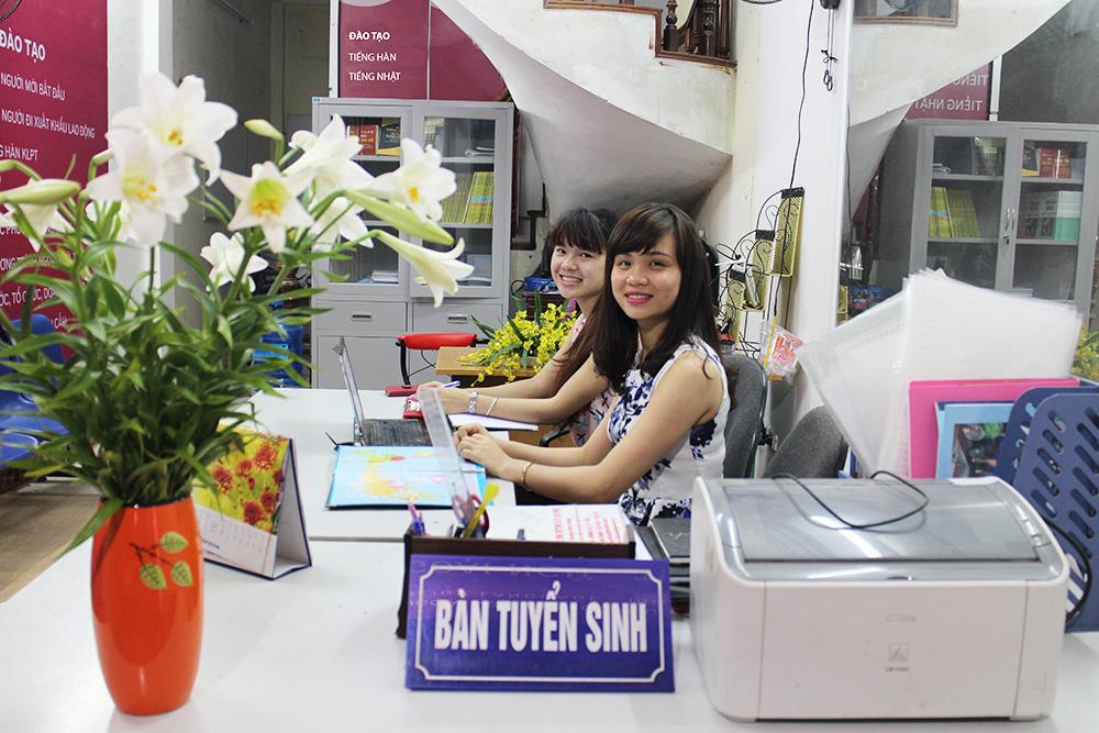 Đăng ký học tiếng Hàn TOPIK cho cô dâu Việt
